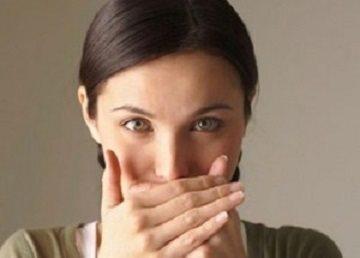 Причины черного налета на языке
