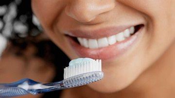 Борьба с налетом на зубах