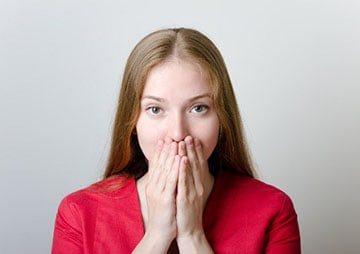 определение наличия запаха изо рта