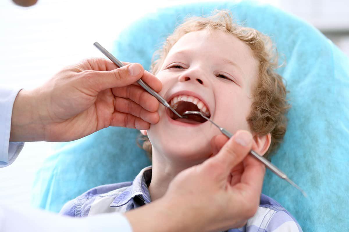 В каком возрасте можно лечить зубы детям
