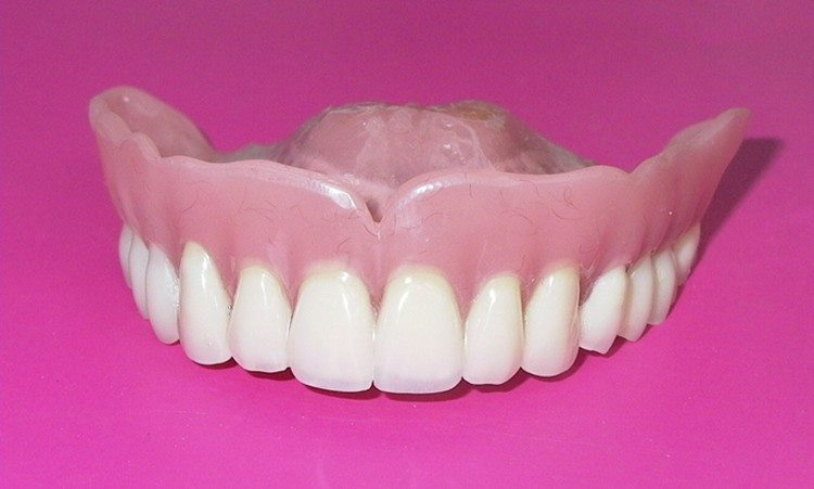 протез челюсти