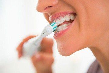 чистка передних зубов