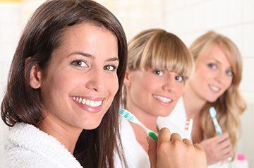 Белоснежные зубы в домашних условиях