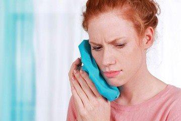 холодный компресс при болях в челюсти