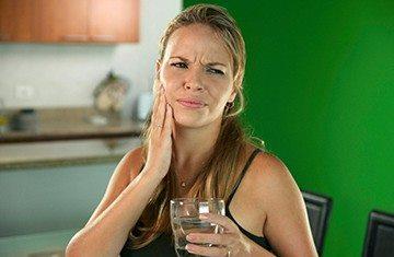 резкая боль после питья