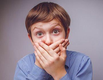 Белые точки на гландах у ребенка с температурой что это может быть thumbnail